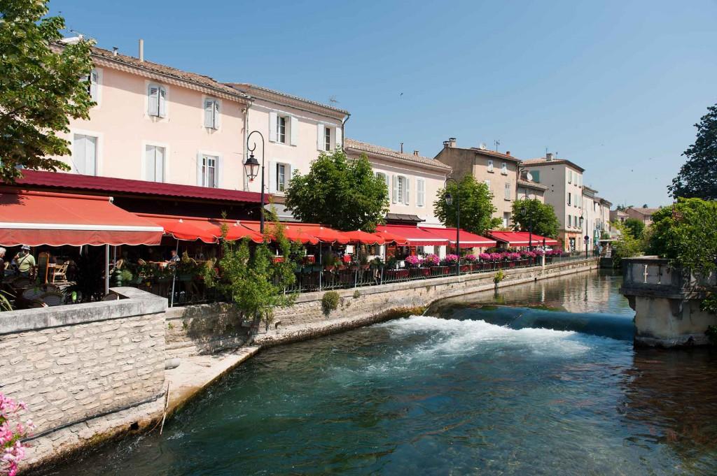 Villages de provence l 39 isle sur la sorgue ses canaux et for Piscine isle sur sorgue